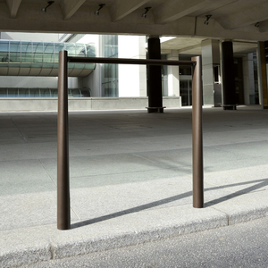 BOLLARDS I BARRIERS