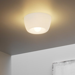WALL / CEILING LAMPS