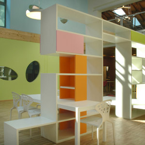 PLAY+ SOLID | BOOKSHELVES AND CONTAINERS