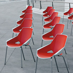 CHAISES DE COLLECTIVITES