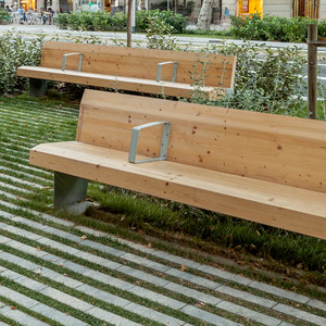 MULTIMATERIALS BENCHES