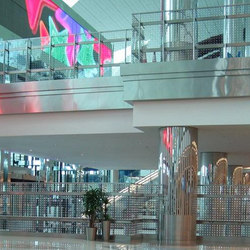 powerglass® balustrade: Dubai International Airport