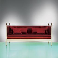 Mary Reilly 4706 Sofa