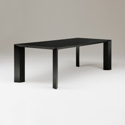 Caro dining table