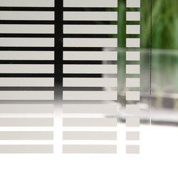 Border-Horizontal ❘ Glass Finish