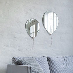 Balloon mirror