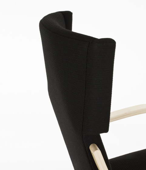 Armchair 401 Re-interpretation by Hella Jongerius di Artek