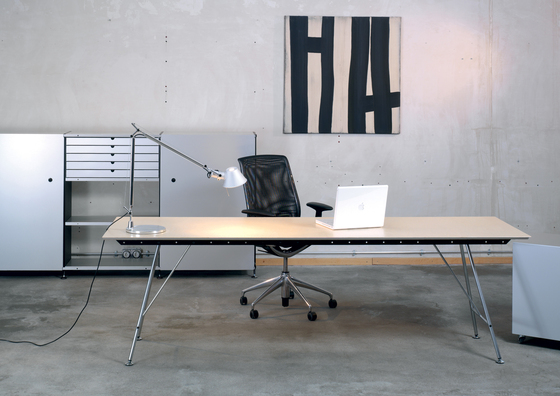 Unistandardtisch di Atelier Alinea