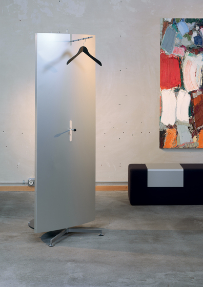 Unigarderobe without front panel de Atelier Alinea