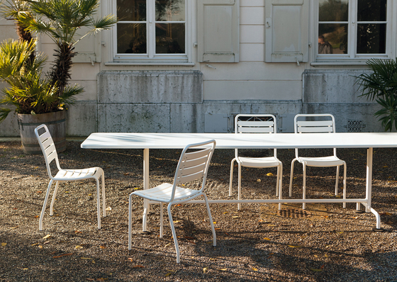 The classic garden table by Atelier Alinea