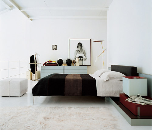 charles bed by b b italia charles product. Black Bedroom Furniture Sets. Home Design Ideas