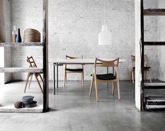 CH29 Sawbuck Chair by Carl Hansen & Søn