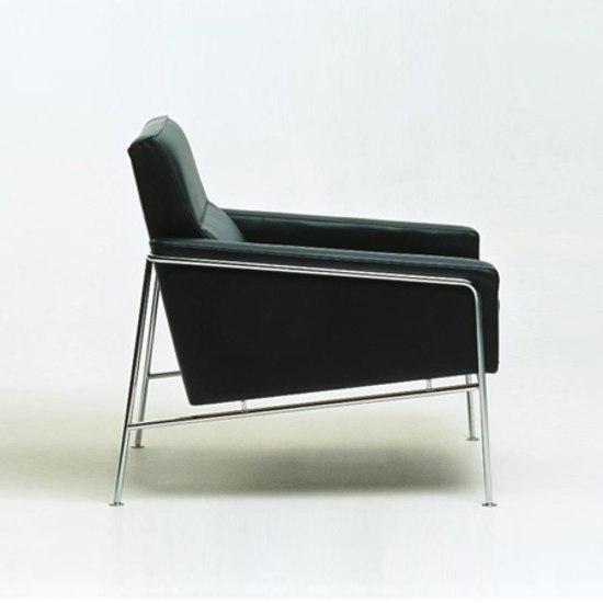 Model 3303 by Fritz Hansen
