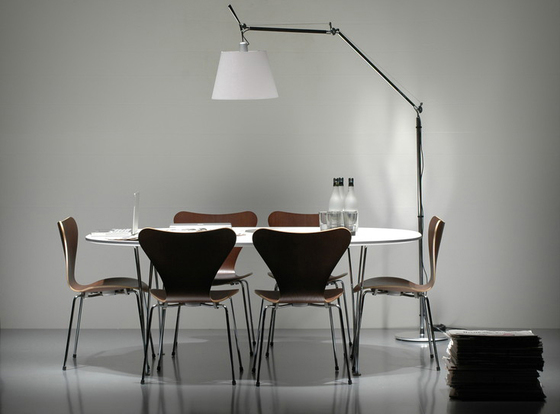 Series 7™ Model 3187 by Fritz Hansen