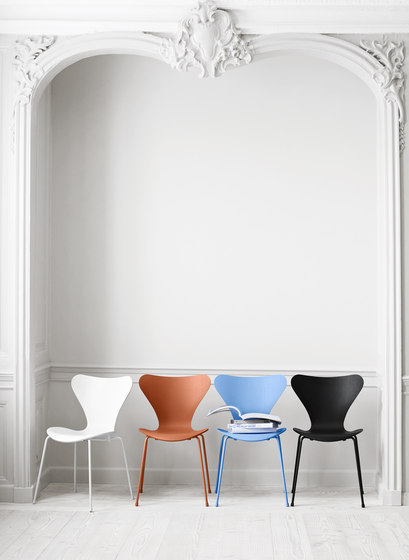 Series 7™ Model 3107 by Fritz Hansen