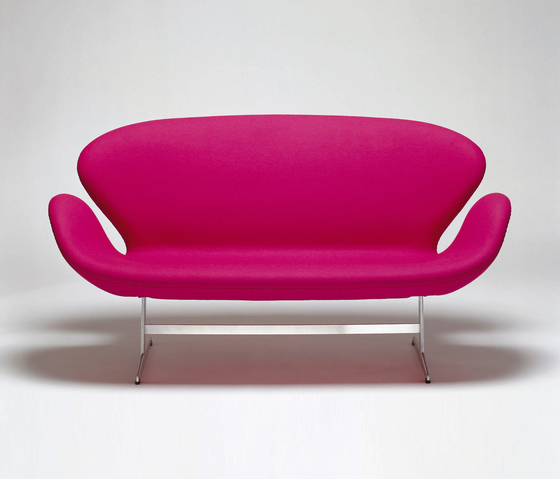 Swan™ Sofa by Fritz Hansen