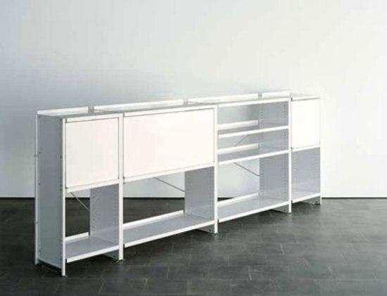 Aluminium shelves de Lehni