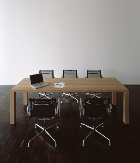 ultimo Table by tossa