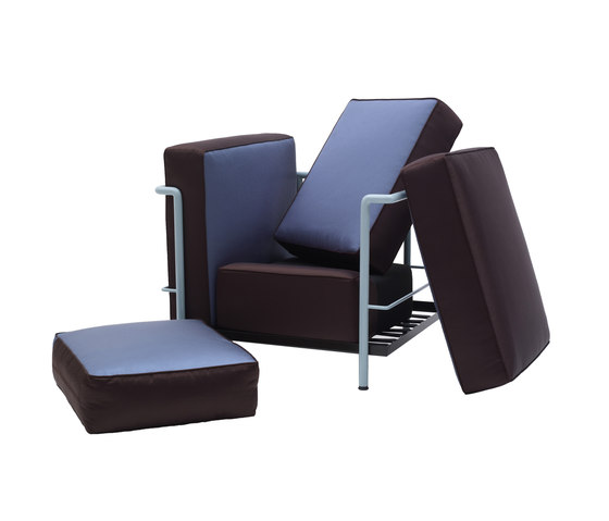 Lc2 maison la roche by cassina lounge chairs architonic for Le corbusier lc2