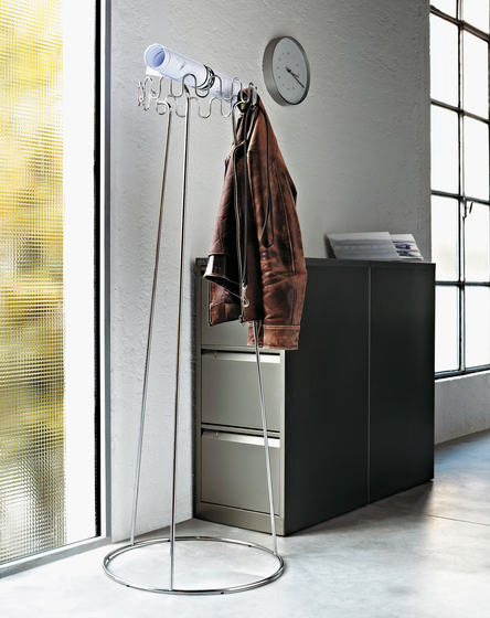 Crown coat stand by Desalto