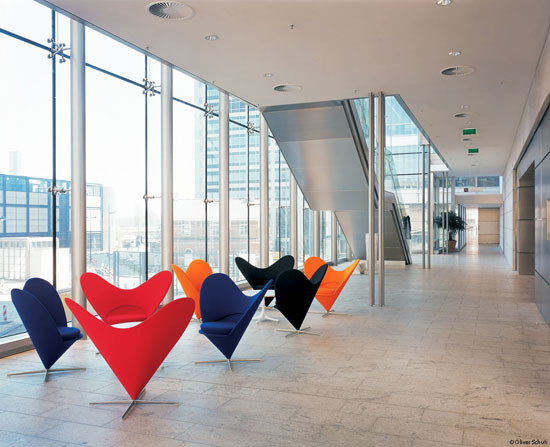 Heart Cone Chair di Vitra