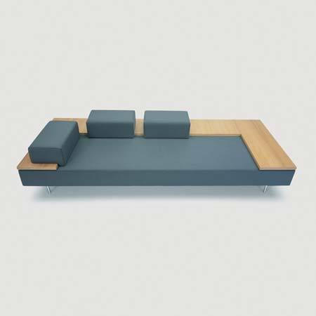 Slide sofa by Derin