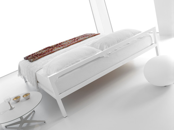 Aluminium Bed with Canopy von MDF Italia