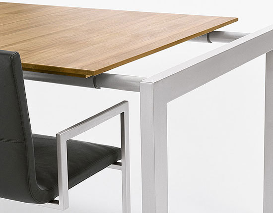 MISURA Table by Girsberger