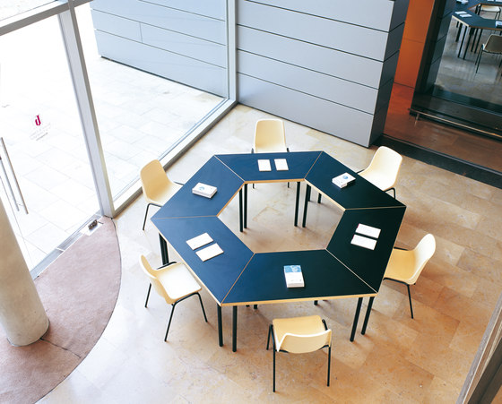 Viena Burger 4P Table by Amat-3