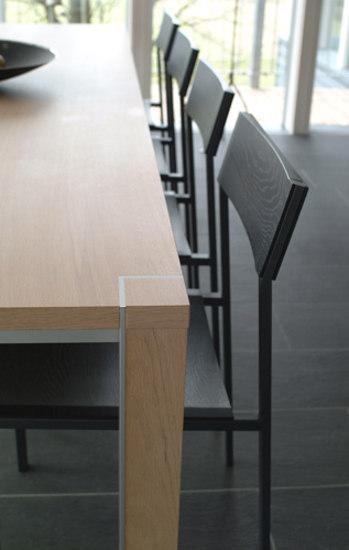 Tisch T11 by elf elf