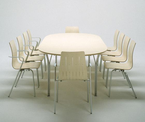 9871 Stackable Chair by Getama Danmark