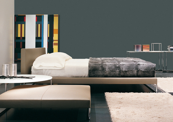 Gorky Bed by Minotti