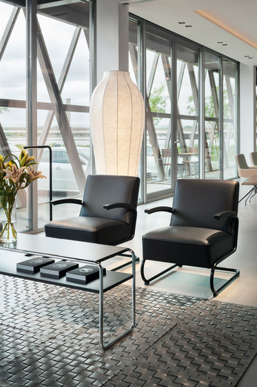 S 411 I S 411 H by Thonet