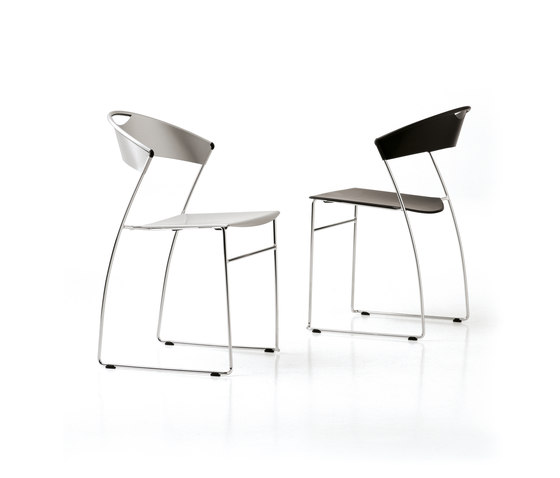 Juliette stackable chair de Baleri Italia by Hub Design
