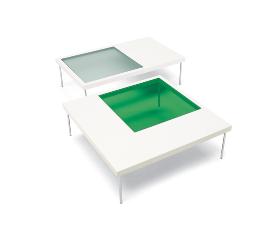 Window low table by OFFECCT