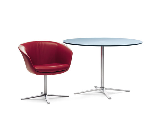 Bob dining table by Walter Knoll