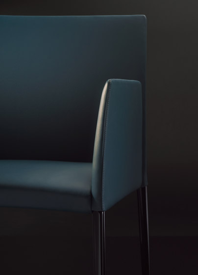 Deen chair with armrests by Walter Knoll