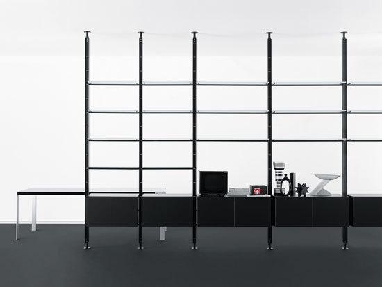 Armida shelving system by Desalto