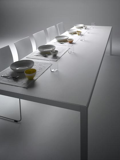 keramik garten esstische von mdf italia architonic. Black Bedroom Furniture Sets. Home Design Ideas