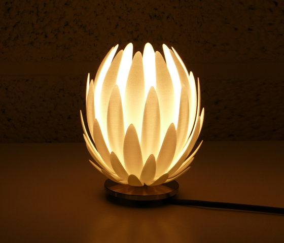 Lily.MGX – High Table Lamp de .MGX by Materialise