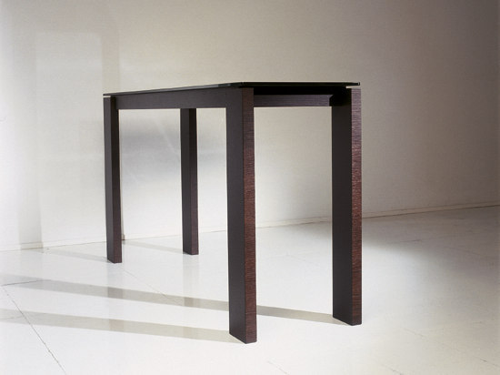 Slim console by Artelano