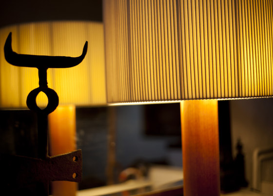 Moragas table lamp by Santa & Cole