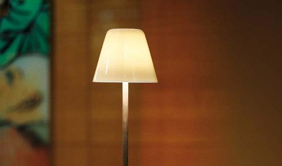 anna von tobias grau tischleuchte produkt. Black Bedroom Furniture Sets. Home Design Ideas
