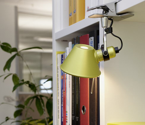 Tolomeo LED Lampe de Table de Artemide