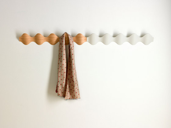 Ona wall coat-hanger by Mobles 114