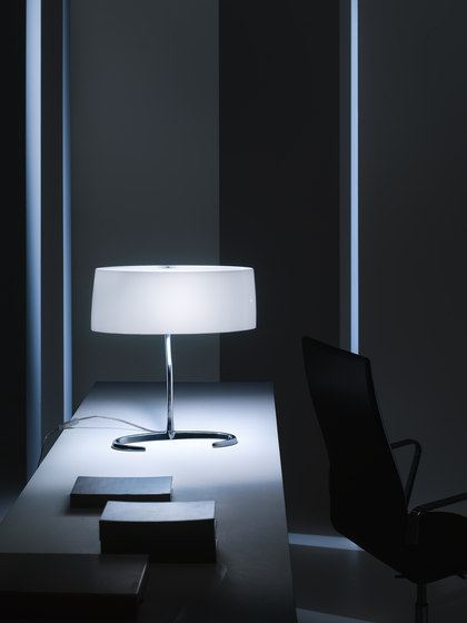 Esa table large de Foscarini