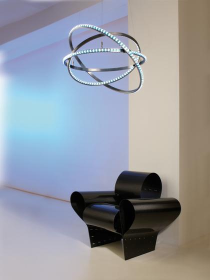 Dione 800 move brushed de Licht im Raum