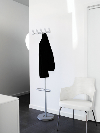 Stand By Wall-Mount Hanging Bar de Lammhults