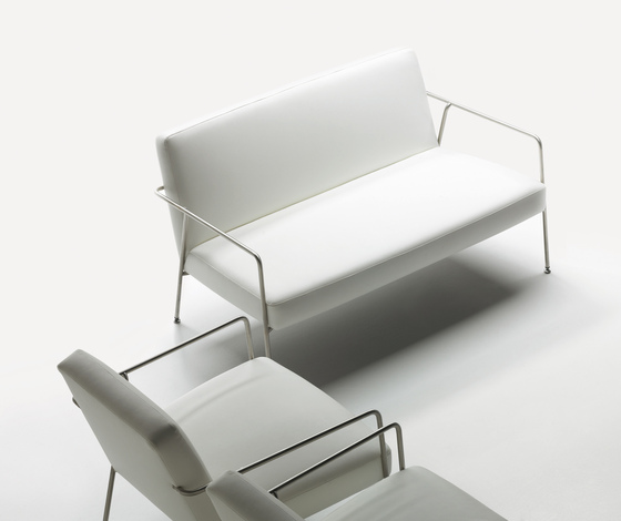Valeri Lounge chair by Sellex