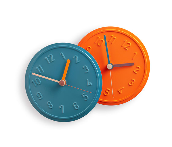 Alu Alu wall clock by Richard Lampert